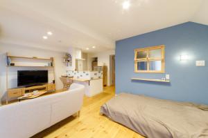 【東京都小金井市エリアT様邸リノベーションレポート⑤】ナチュラルでかわいい!どこにいてもブルーが見える部屋。