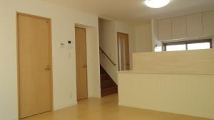 【藤沢市エリアS様邸リノベーションレポート③】造作カウンターでキッチンとリビング空間を分ける