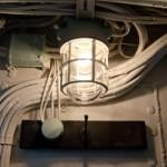 まるで船室! ≪マリンランプ≫で旅するように暮らす部屋
