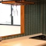 油汚れ・カビを撃退!キッチンタイル壁の簡単お掃除テク