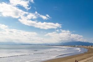 冬こそ湘南。暖かく美しい「海街」の冬