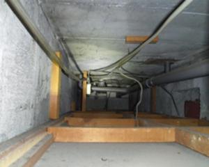 天井の点検口内部