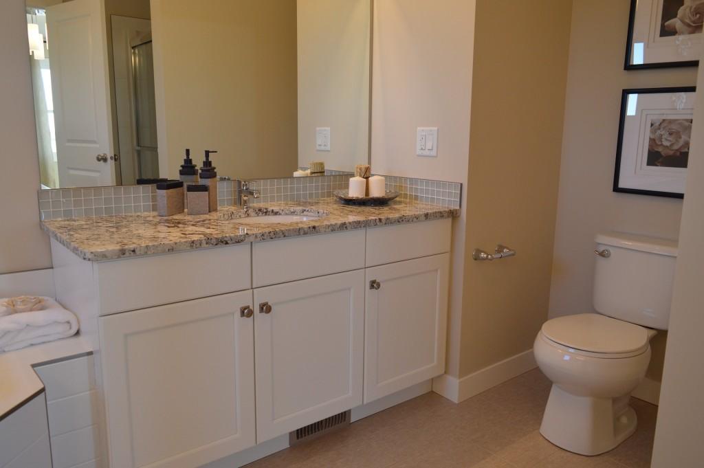 bathroom-1078917_1920