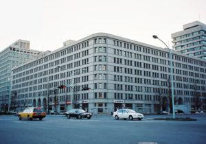 Marunouchi_Building_1997