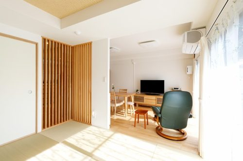 畳は近年、縁のない琉球畳などモダンなデザインで人気が再熱している