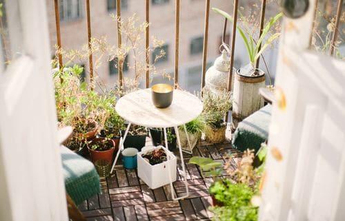 「アウトドアリビング」で庭やベランダを第二のリビングに