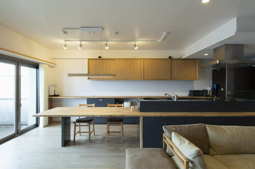 キッチンを場所移動させてアイランドキッチンにしたリノベーション事例