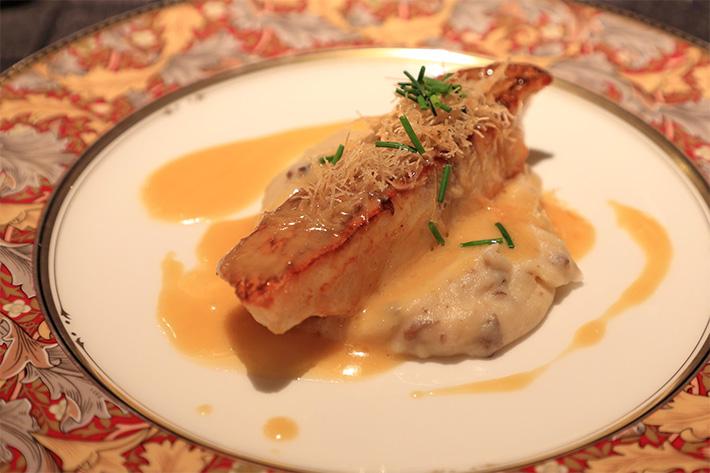 真鯛のポワレ アメリケーヌソース