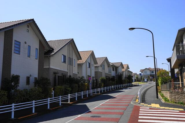 無電柱化後の稲城市向陽台の住宅地