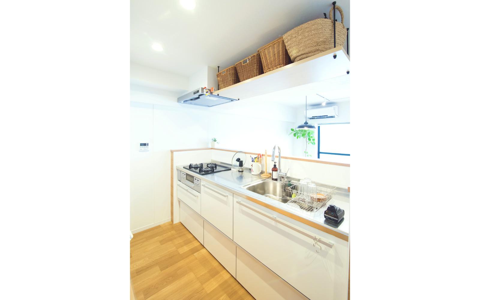 キッチンと吊り棚