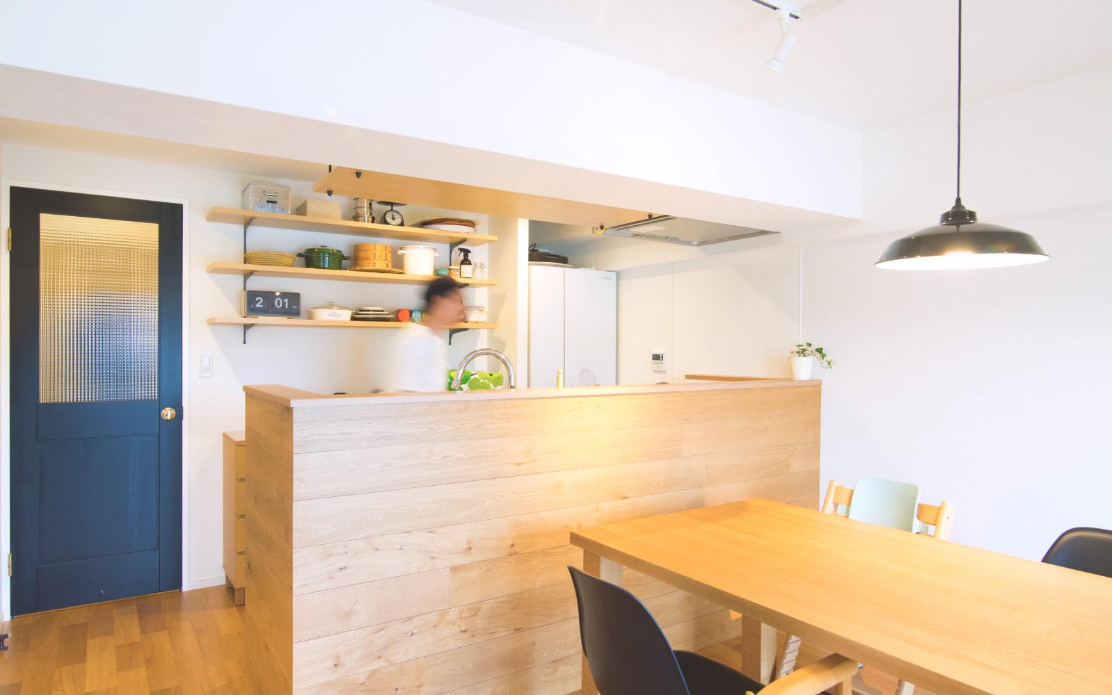 リビング 木材キッチン