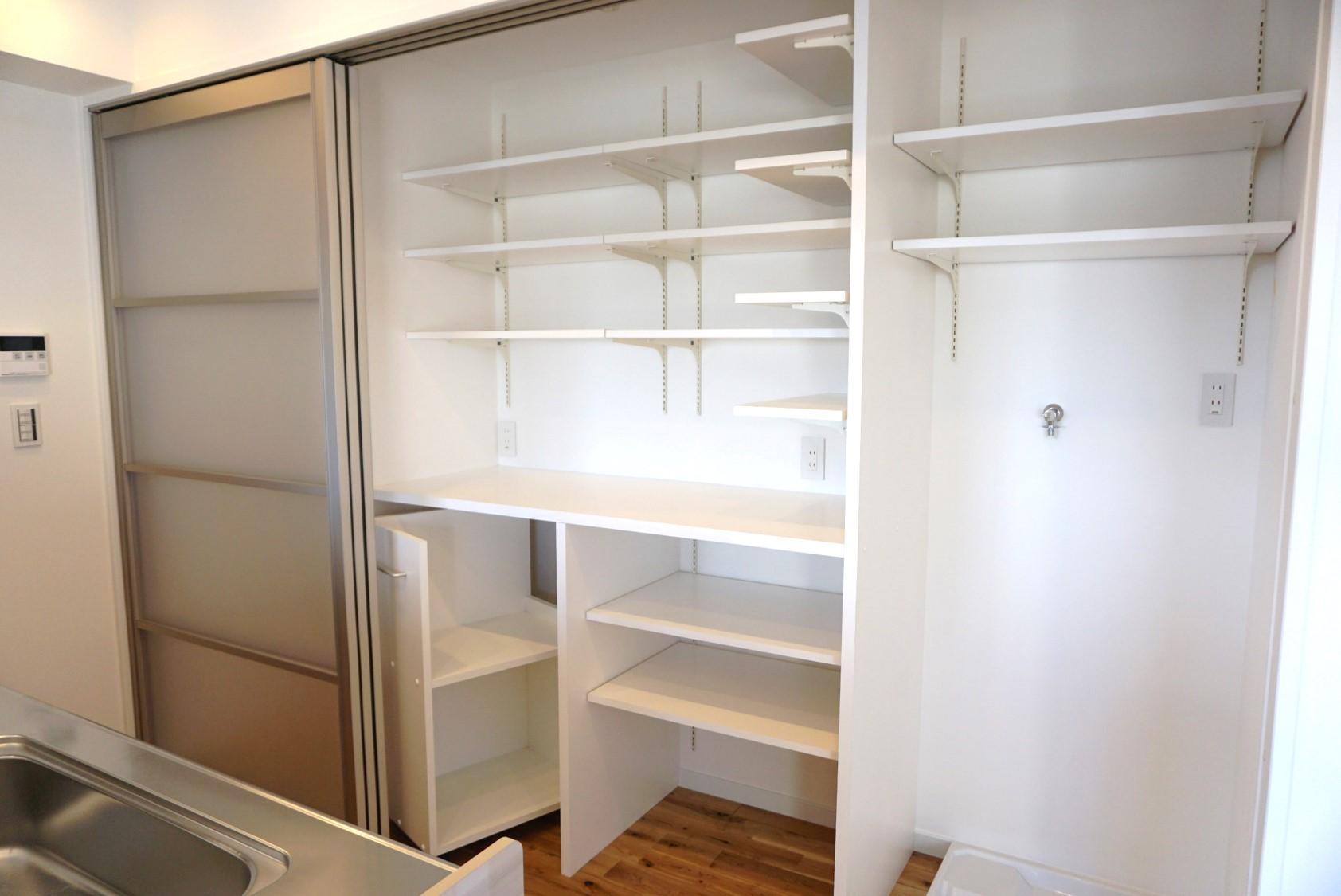 必要道具一式が収納できる大容量なスペース。