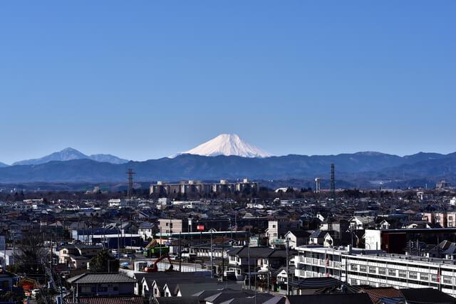 武蔵村山市役所より富士山冬の朝景