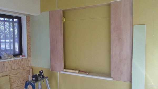壁や間仕切りなどの造作を整えていけば、完成ももう間近です。